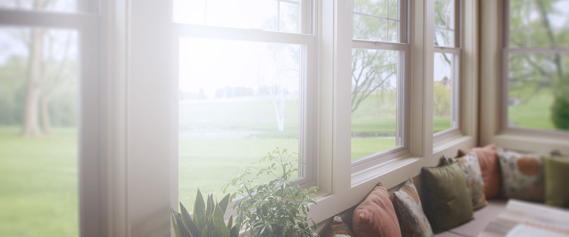 Картинка окно в коттедж фон